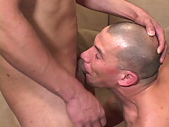 Gay Bareback Guns & JD Lopez