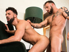 The streets of Madrid are shoved with sly hustlers looking for the right opportunity. Super extreme Abraham Al Malek doesn't realize when his wallet falls to the ground. Antonio Miracle picks it up and pockets Abraham's cash, but money isn't the only thin mature gay