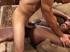 Gay Bareback Leo Rivera & Shawn Blossom