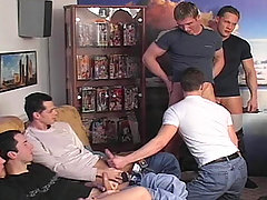 One bottom dude sucking seven horny cocks in this video !