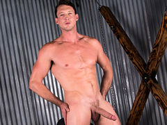 Pierce Paris Solo mature gay